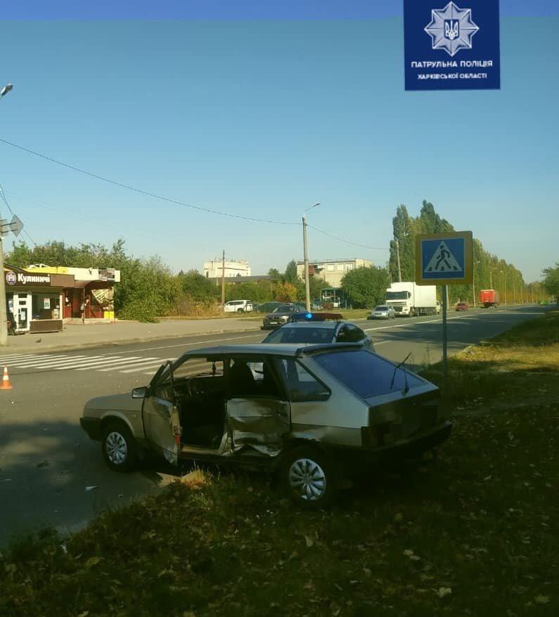 В Харькове столкнулись автомобили «ВАЗ» и «Lexus»: пострадал один из водителей, - ФОТО, фото-1