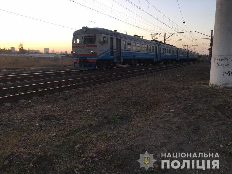 «Лежал на путях»: в харьковской полиции рассказали подробности гибели мужчины под колесами поезда, - ФОТО, фото-1