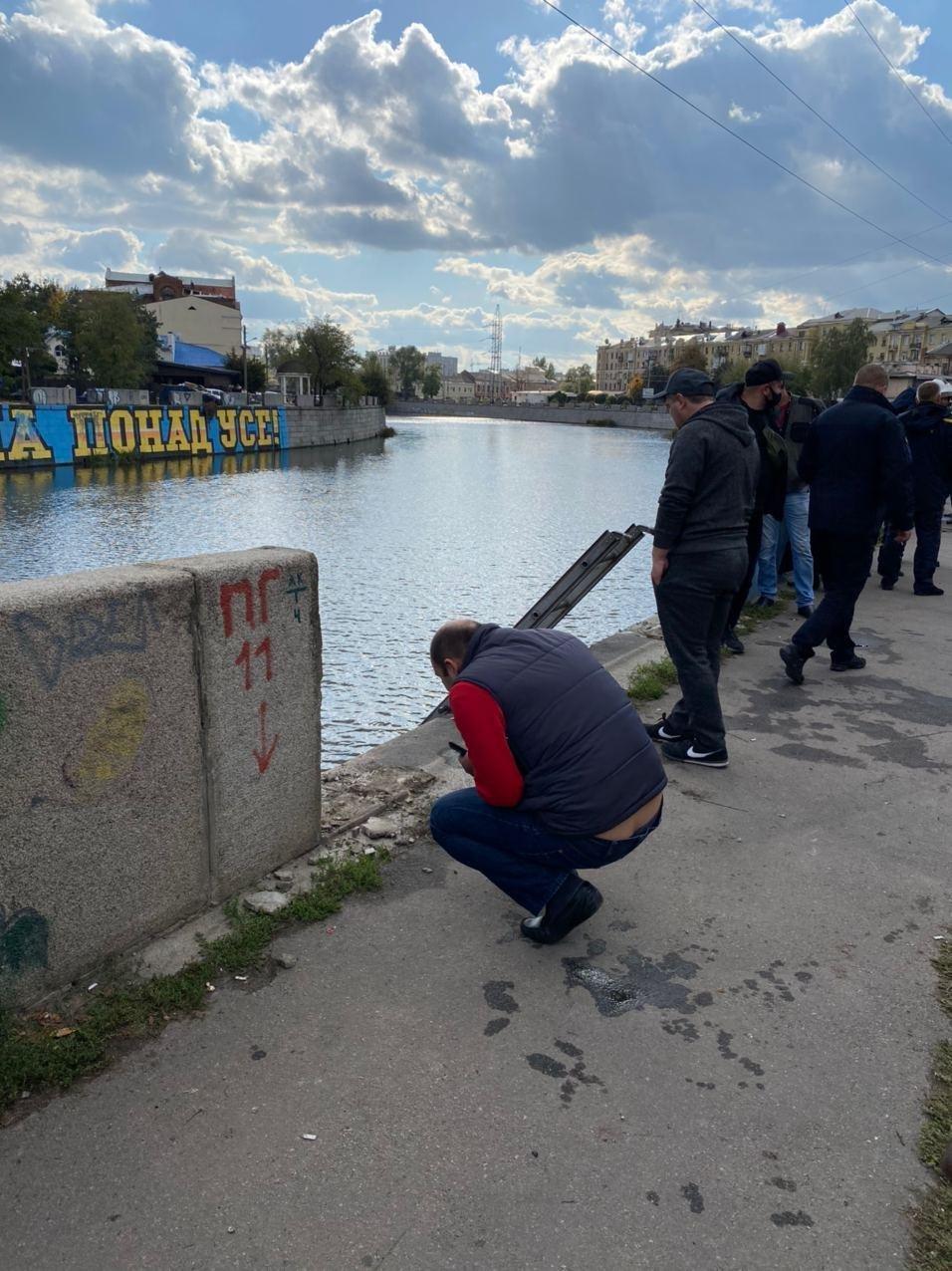 В Харькове авто упало в реку, - ФОТО, фото-6