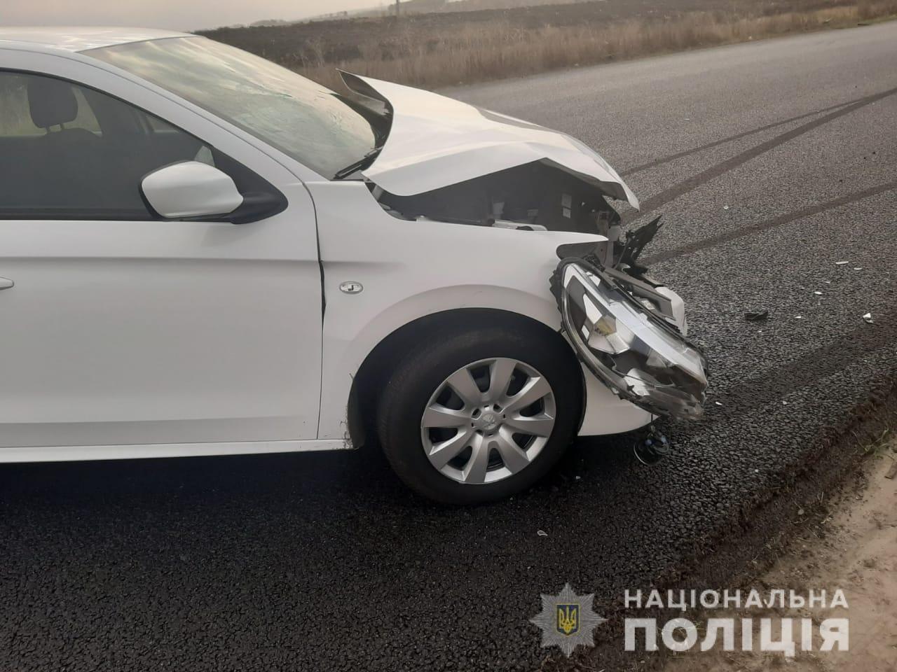 Под Чугуевом водитель «ВАЗ» врезался в «Peugeot». Водитель госпитализирован, - ФОТО, фото-1