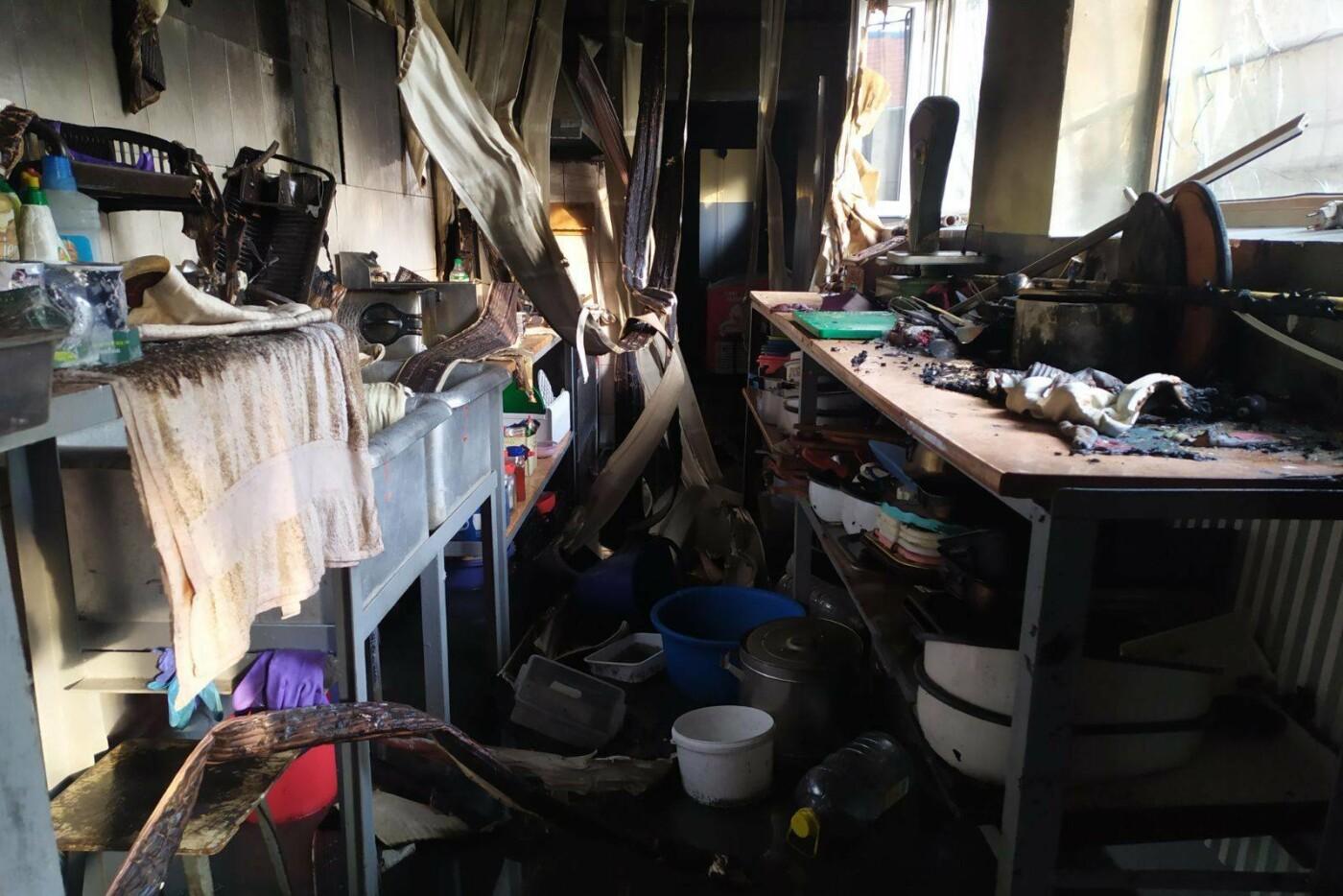 В селе под Харьковом горело кафе. Пострадала одна из сотрудниц, - ФОТО, фото-2