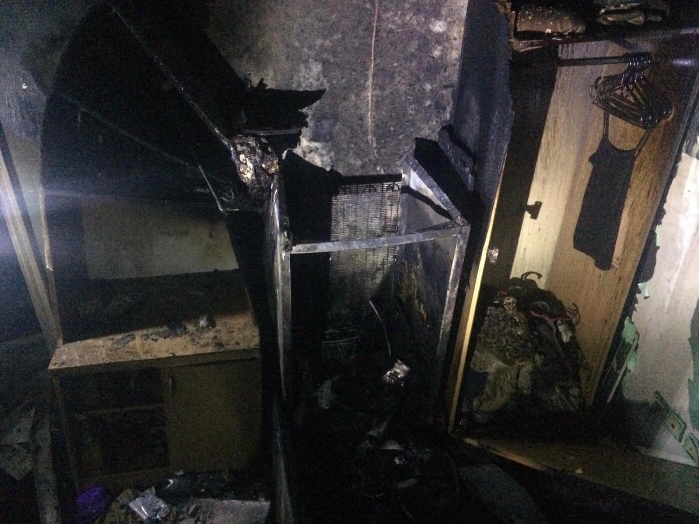 В Харькове загорелось общежитие НФаУ: бойцы ГСЧС спасли и эвакуировали более 30 студентов, - ФОТО , фото-1