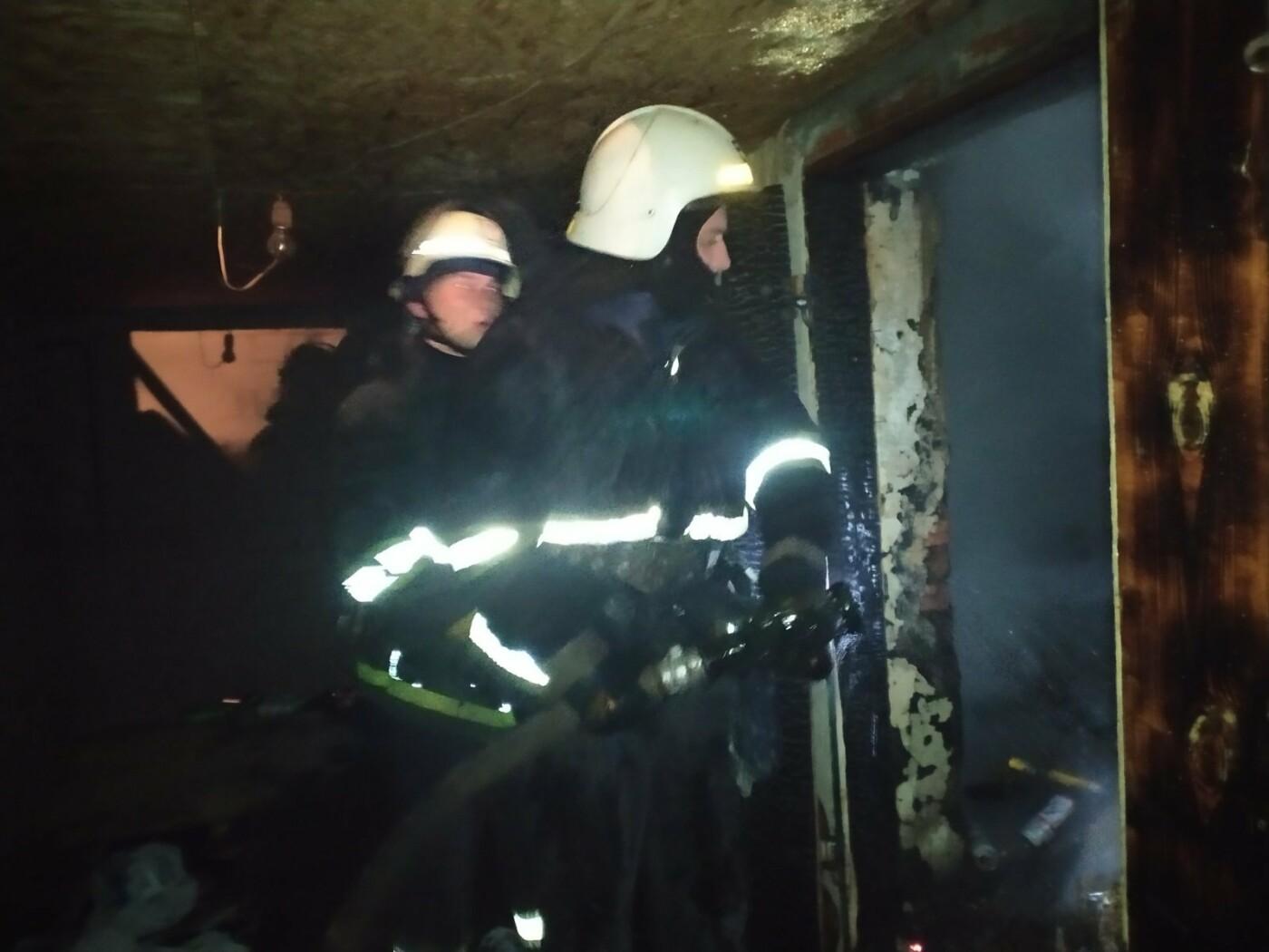 В Харьковской области загорелся гараж: спасатели больше двух часов тушили пожар, - ФОТО, фото-2