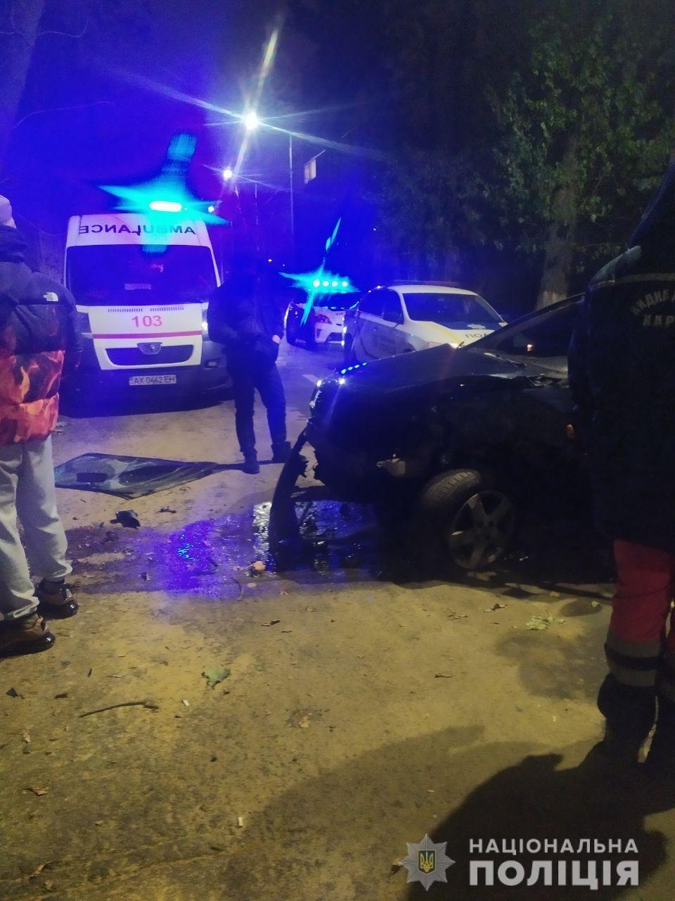"В центре Харькова водитель ""Opel"" врезался в дерево, - ФОТО, фото-2"