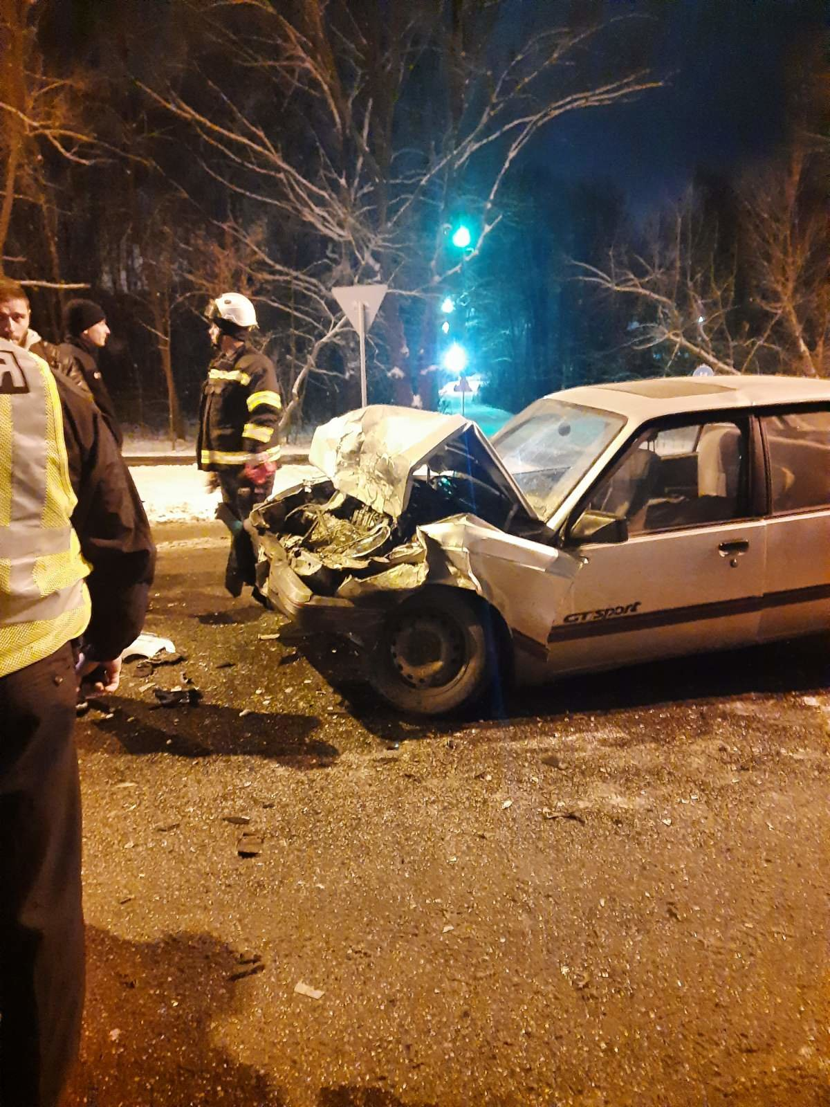 На трассе в Харькове спасатели вытащили авто, слетевшее в кювет, - ФОТО, фото-2