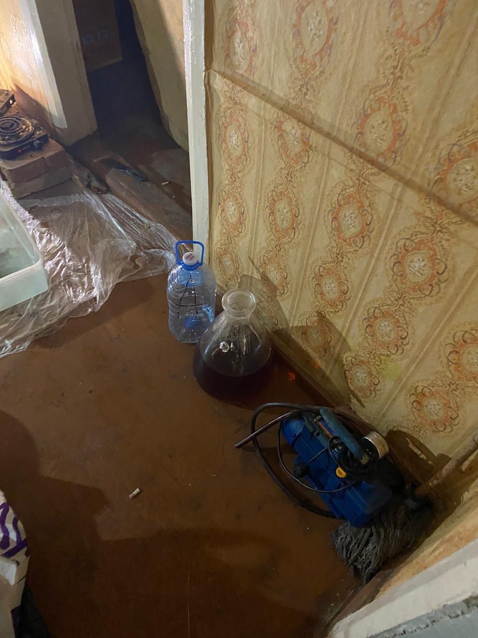 На Харьковщине двое местных жителей в доме готовили наркотики и хранили полтора килограмма «психотропов», - ФОТО  , фото-6