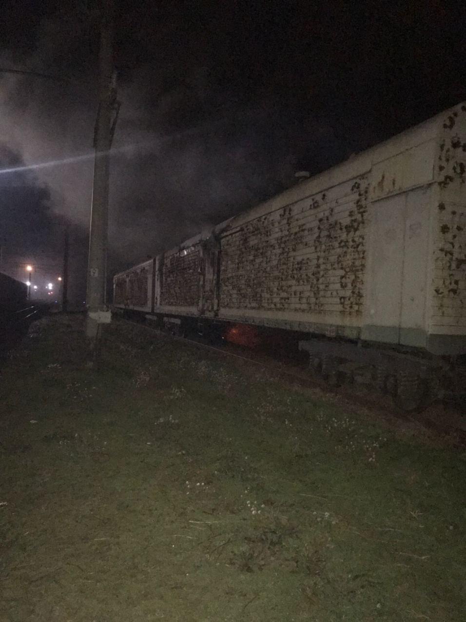 В Харьковской области на железнодорожной станции загорелся рефрижераторный вагон, - ФОТО, фото-1