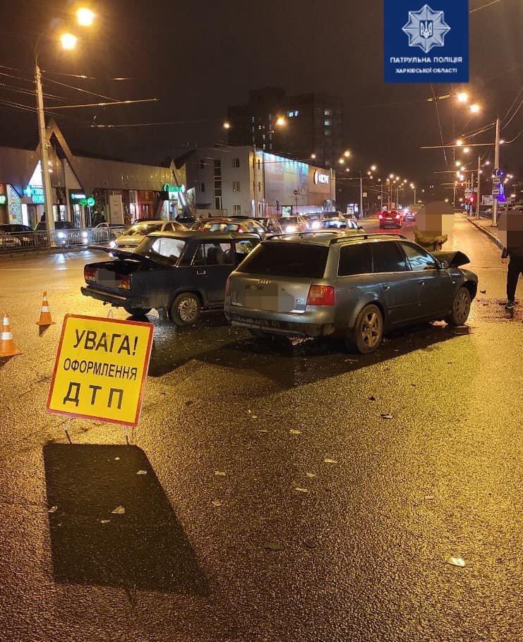 В Харькове не поделили перекресток два легковых авто: один человек в больнице, - ФОТО, фото-1
