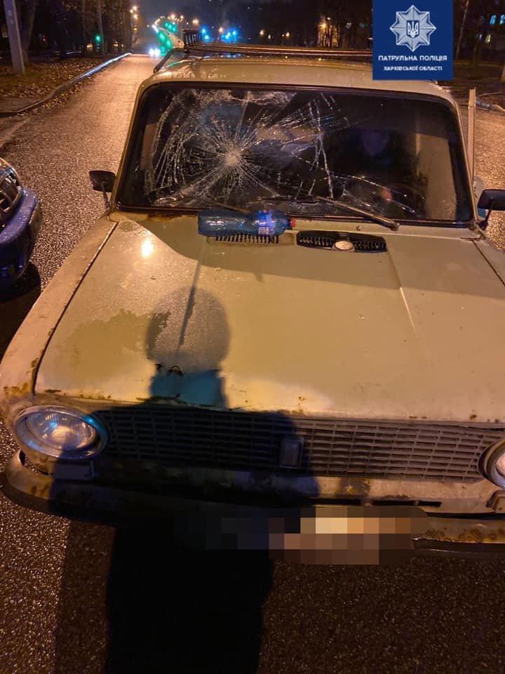 В Харькове пешеход попал под колеса автомобиля: мужчину госпитализировали в больницу, - ФОТО, фото-1