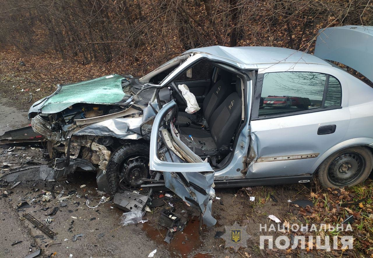 """Крупное ДТП на окружной: водитель """"Volkswagen"""" выехал на """"встречку"""" и протаранил """"Mitsubishi"""", - ФОТО, фото-4"""