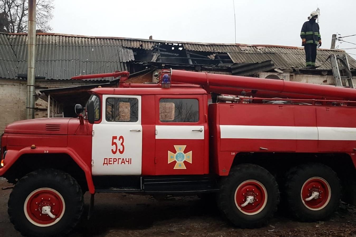 Под Харьковом спасатели тушили масштабный пожар в магазине, который загорелся из-за короткого замыкания, - ФОТО, фото-2