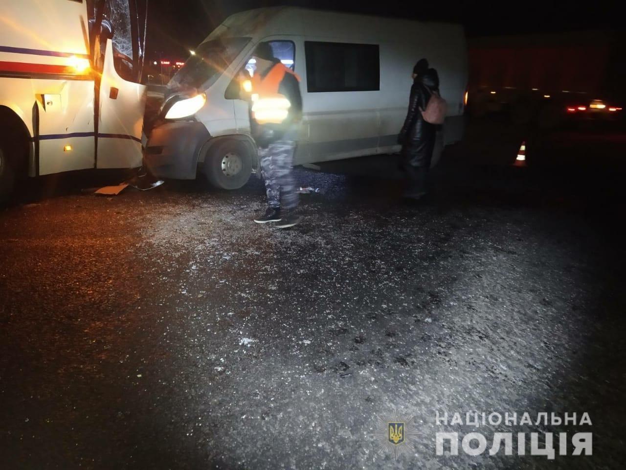 На Харьковщине микроавтобус «влетел» в рейсовый автобус: пять человек в больнице, - ФОТО, фото-3