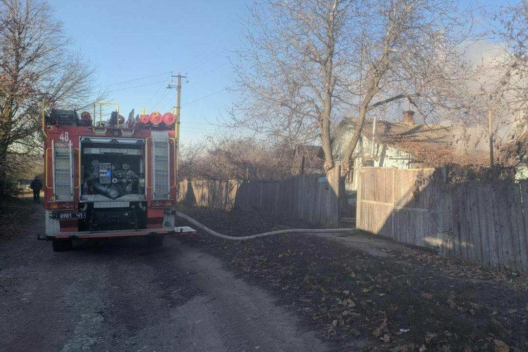 «Спасатели нашли труп мужчины в очаге пожара»: под Харьковом загорелся частный дом, - ФОТО, фото-2
