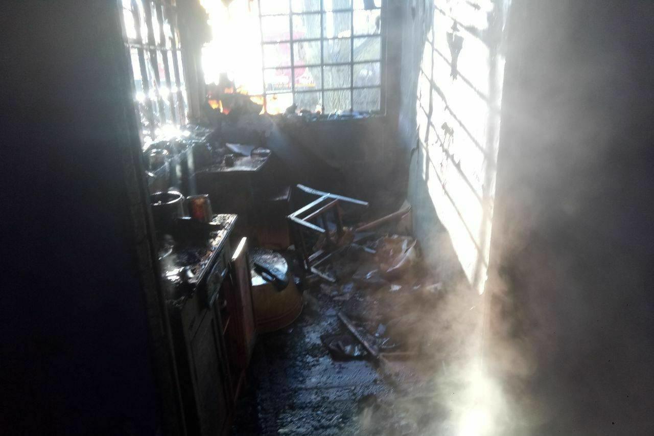 «Спасатели нашли труп мужчины в очаге пожара»: под Харьковом загорелся частный дом, - ФОТО, фото-3