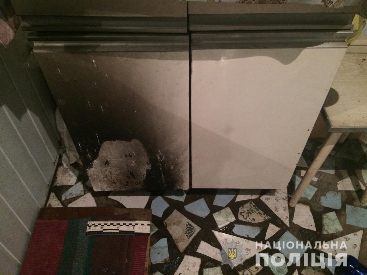 В Харькове неизвестные забросали «коктейлями Молотова» балкон местной жительницы, - ФОТО, фото-2