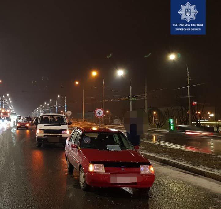В Харькове водитель авто «Volkswagen» нарушил ПДД и устроил тройную аварию, - ФОТО, фото-1