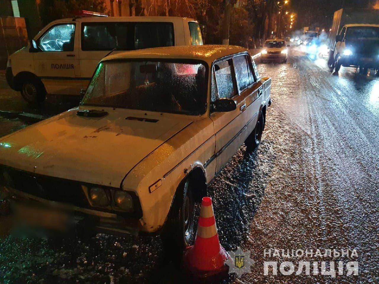В Харькове из-за гололеда водитель легкового авто не смог затормозить и «снес» двух женщин на «зебре», - ФОТО, фото-2