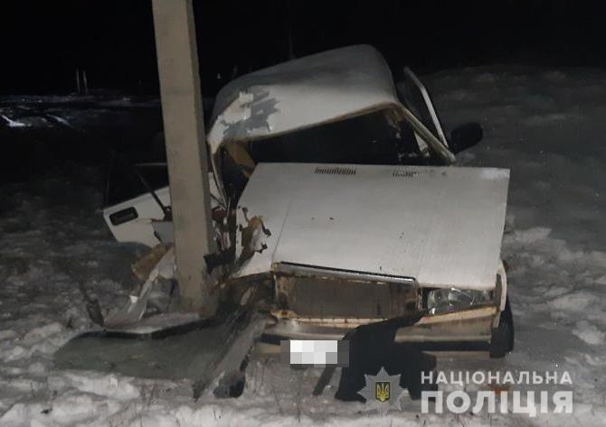 На Харьковщине пьяный водитель легкового авто «влетел» в столб: от удара машину смяло, погибла беременная женщина, - ФОТО, фото-2
