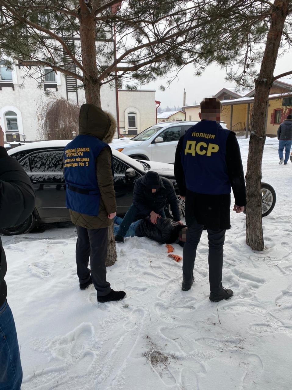 Требовал деньги и сопротивлялся при задержании: силовики поймали на взятке чиновника Харьковского горсовета, фото-2