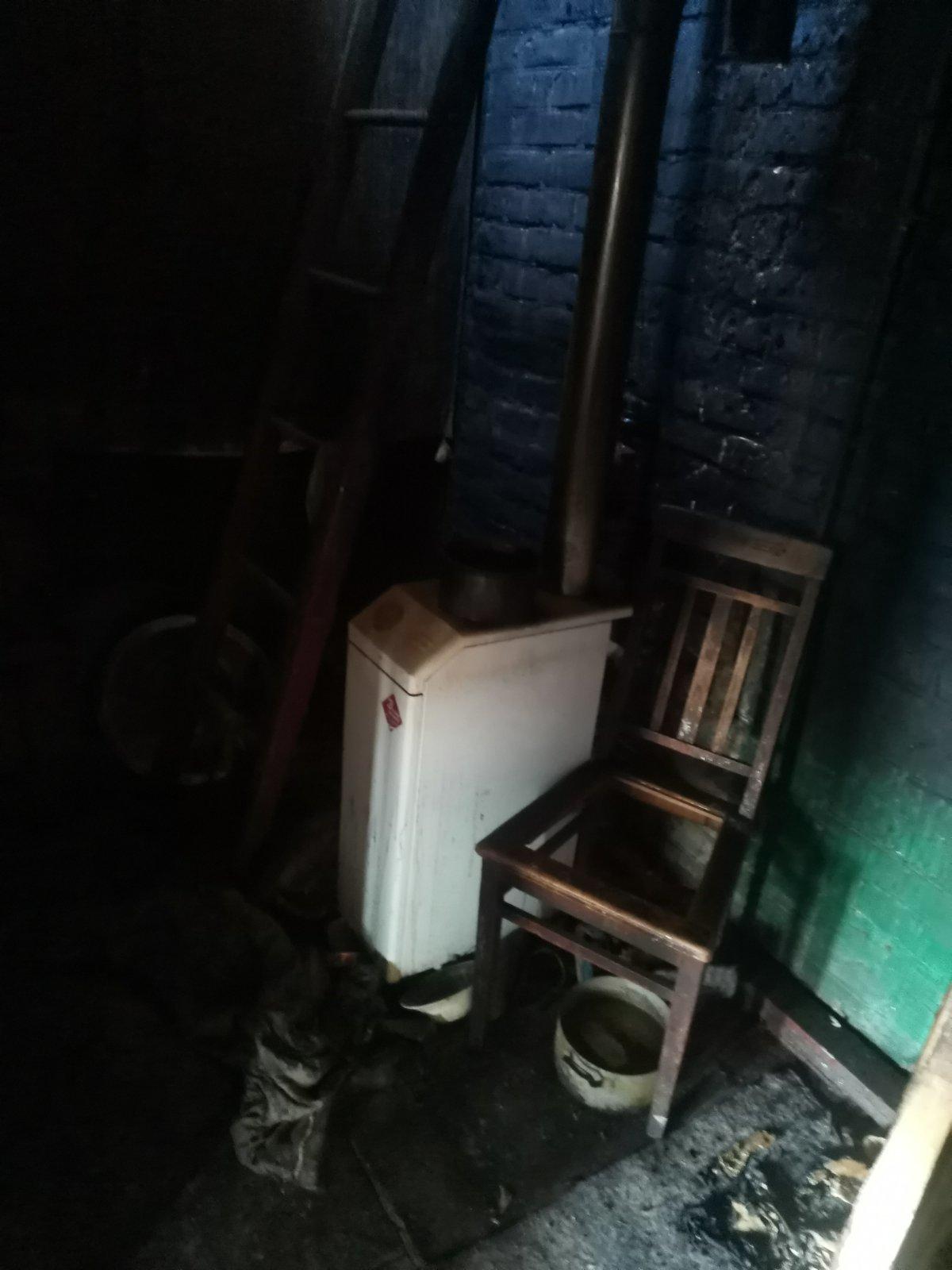 Под Харьковом спасатели несколько часов тушили пожар в частном доме: есть погибший, - ФОТО, фото-2