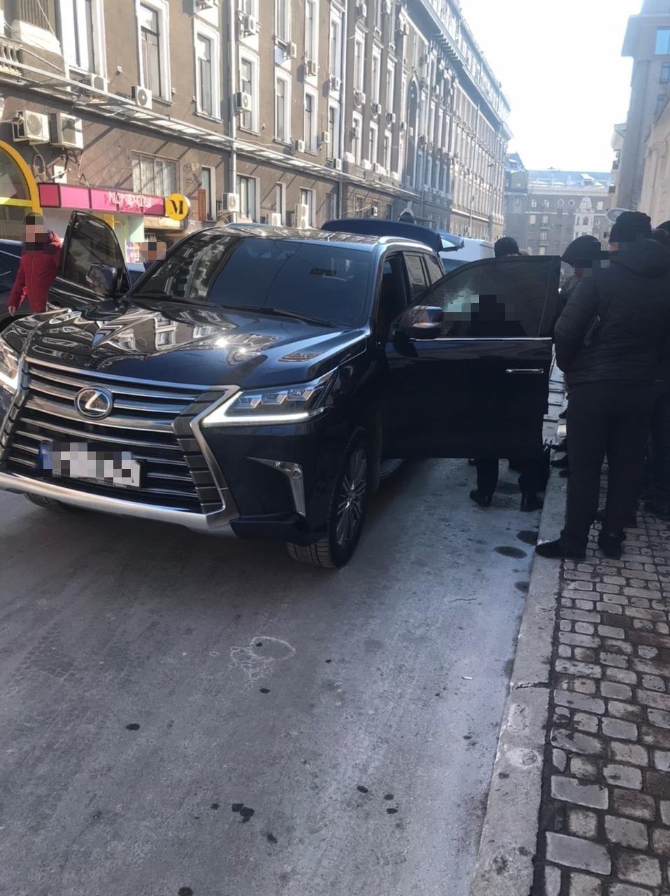 Терроризировали бизнесмена и подожгли машину пограничника: в Харькове арестовали четырех членов ОПГ, - ФОТО, фото-3