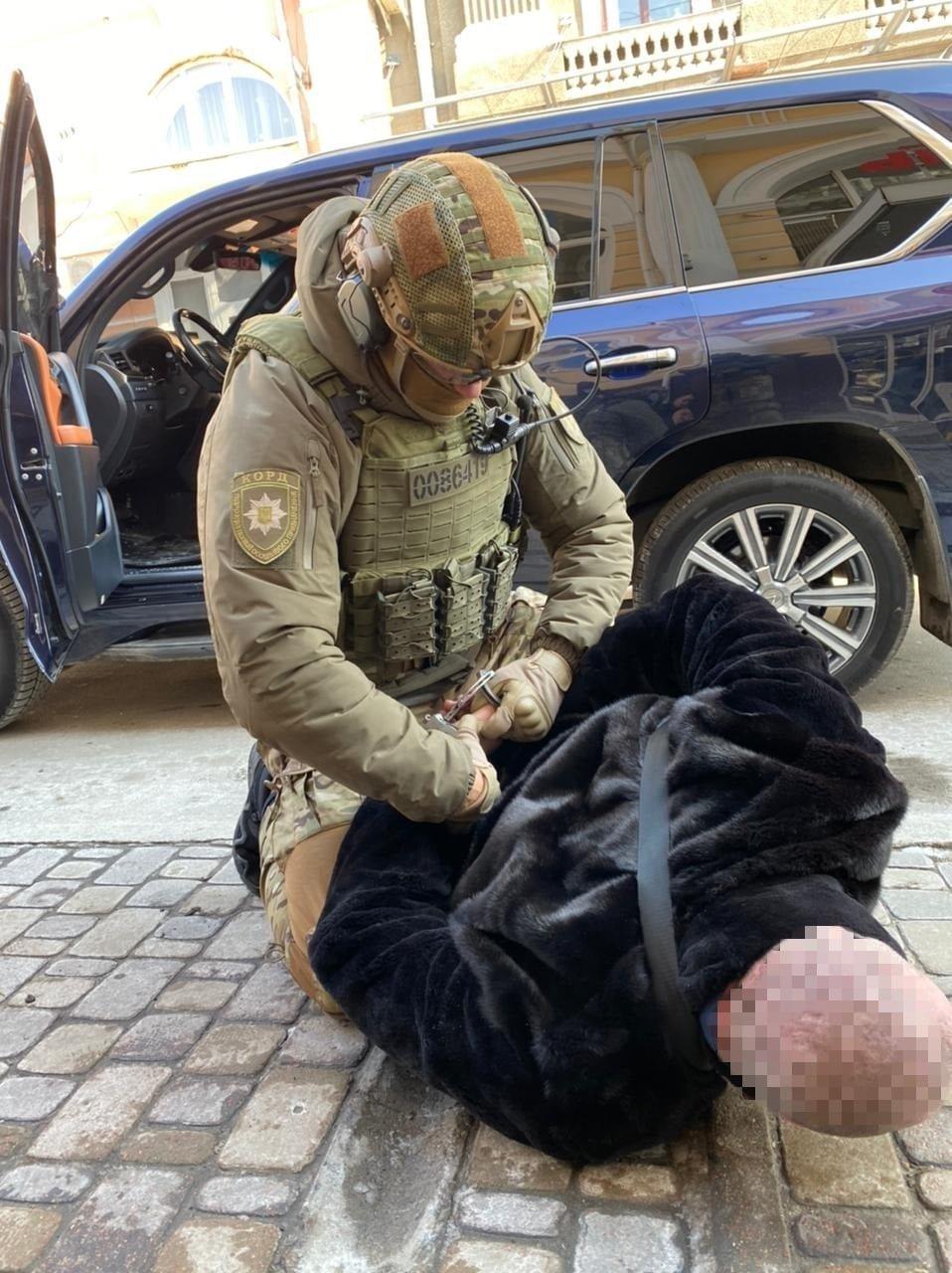 Терроризировали бизнесмена и подожгли машину пограничника: в Харькове арестовали четырех членов ОПГ, - ФОТО, фото-2