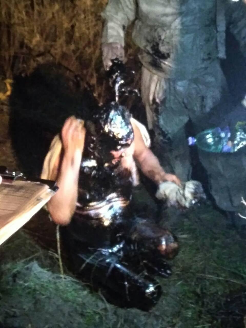 Не мог выбраться два часа: на Харьковщине спасатели вытащили мужчину из ямы со смолой, - ФОТО, фото-2