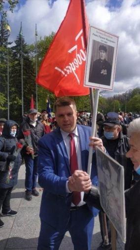 Разгром стендов к 9 мая и плакат с вымышленным ветераном. Как Андрей Лесик делает пиар на своих «ценностях», - ФОТО, фото-4