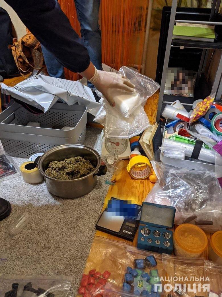 В Киеве полиция разоблачила харьковчанку, торговавшую наркотиками по всей Украине, - ФОТО, фото-3