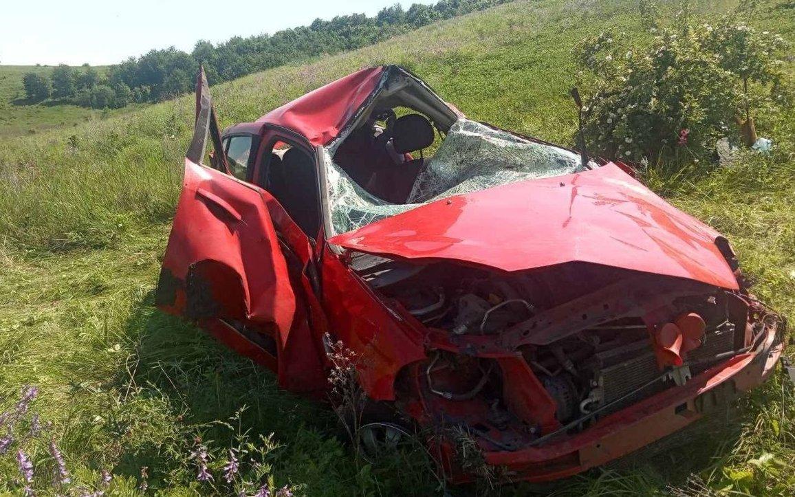 "На Харьковщине ""Renault Symbol"" слетел в кювет: водителя зажало в салоне, - ФОТО, фото-3"