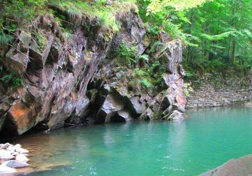 Голубая лагуна, подземные пещеры и стоянка неандертальцев: ТОП-5 малоизвестных мест Украины, фото-1