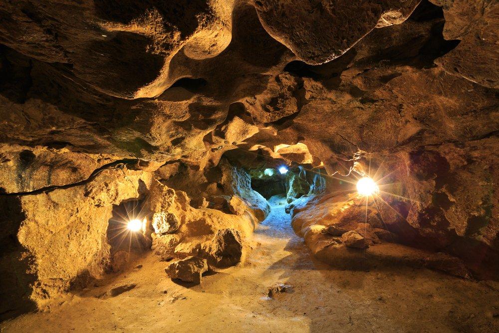 Голубая лагуна, подземные пещеры и стоянка неандертальцев: ТОП-5 малоизвестных мест Украины, фото-2