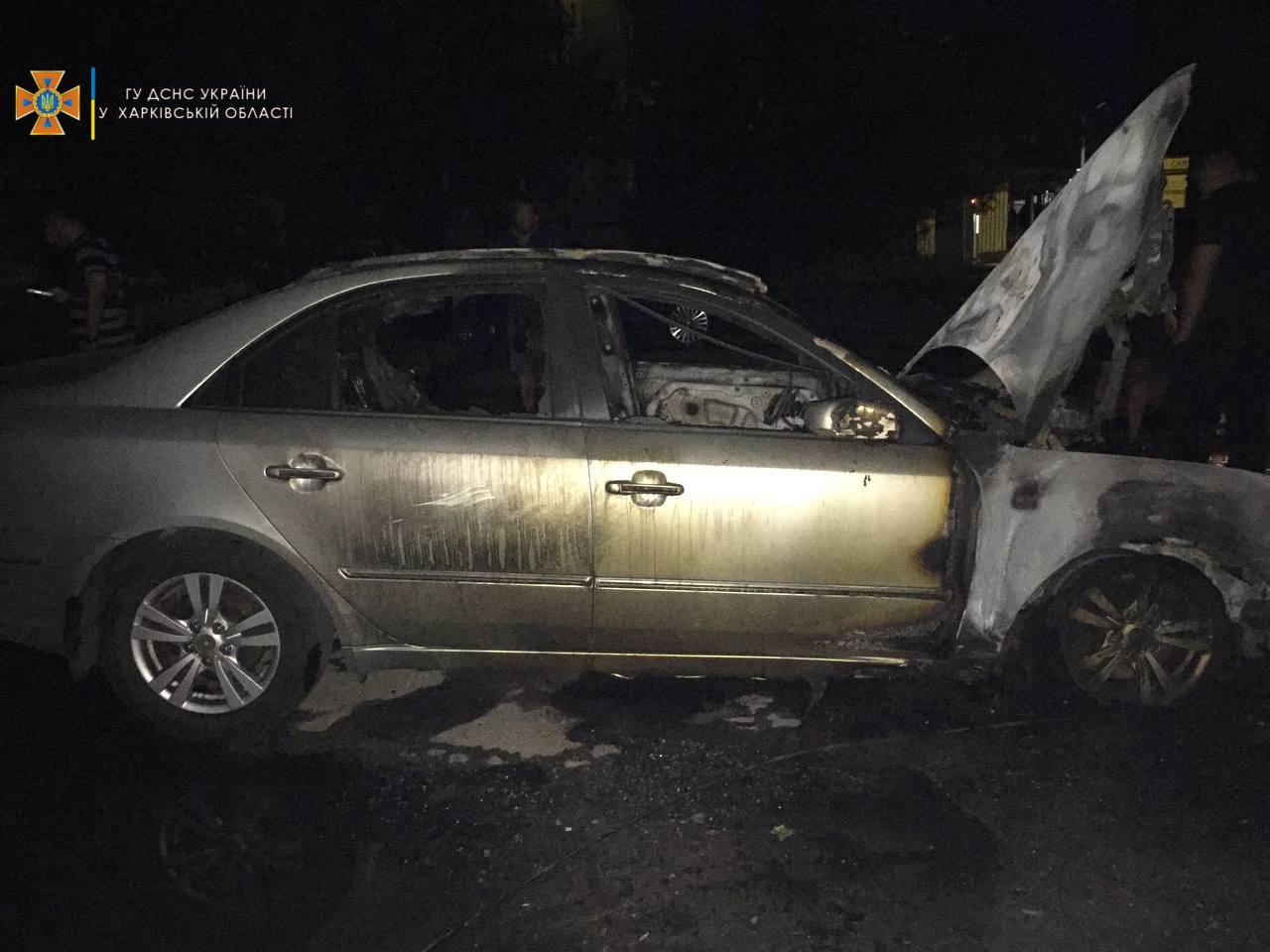 Ночью на Алексеевке подожгли два авто, - ФОТО, фото-2