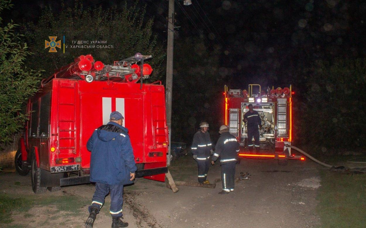 На Харьковщине из-за короткого замыкания загорелся частный дом: спасатели более четырех часов тушили пожар, - ФОТО, фото-2