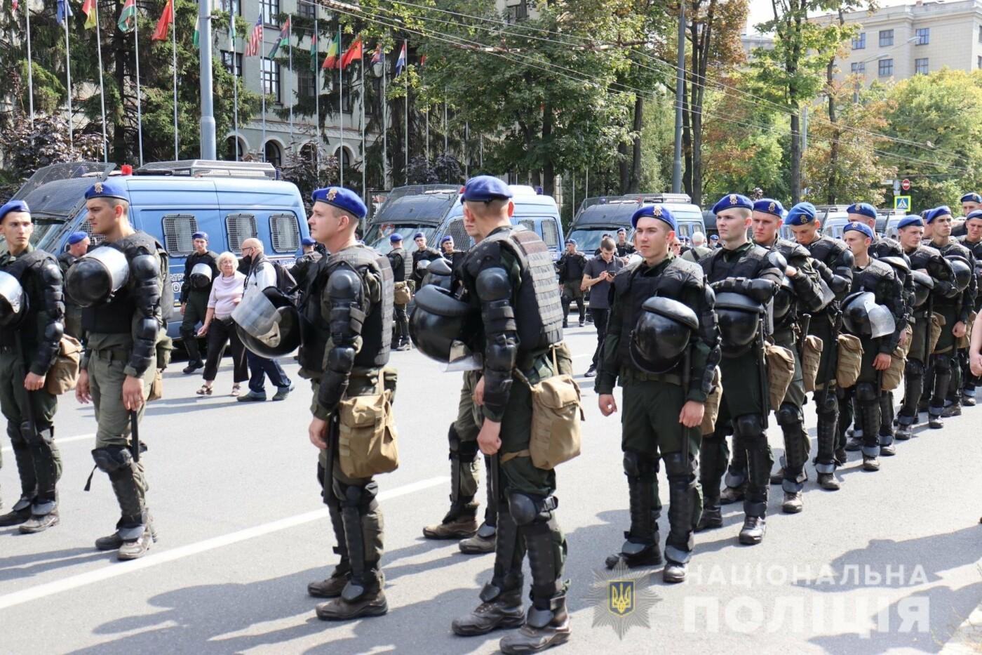 ЛГБТ-марш в центре Харькова: участников события охраняли более 1,2 тысячи силовиков с 40 единицами спецтехники, - ФОТО, фото-3