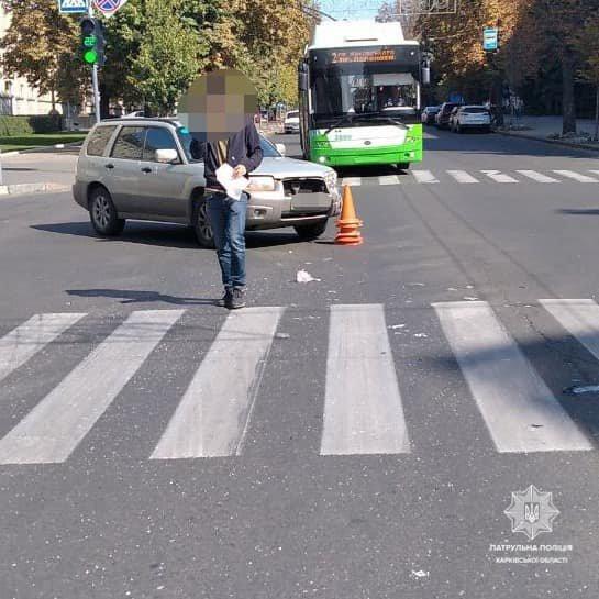 В центре Харькова водитель авто из свадебного кортежа устроил тройное ДТП, - ФОТО, фото-2